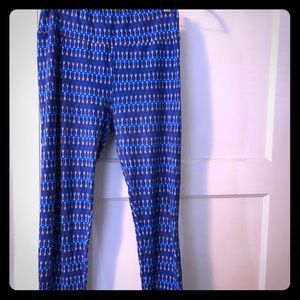 LuLaroe royal blue arrow leggings